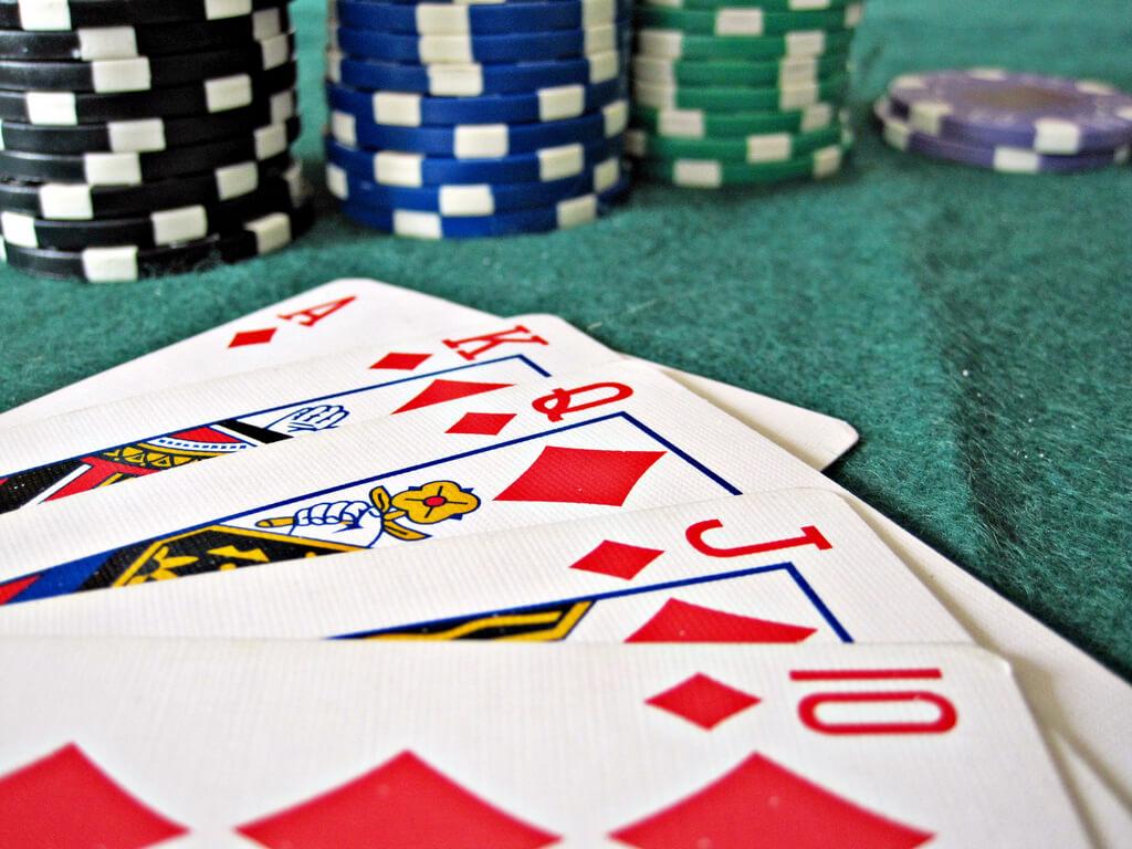 Poker-Blatt und Spiel-Chips