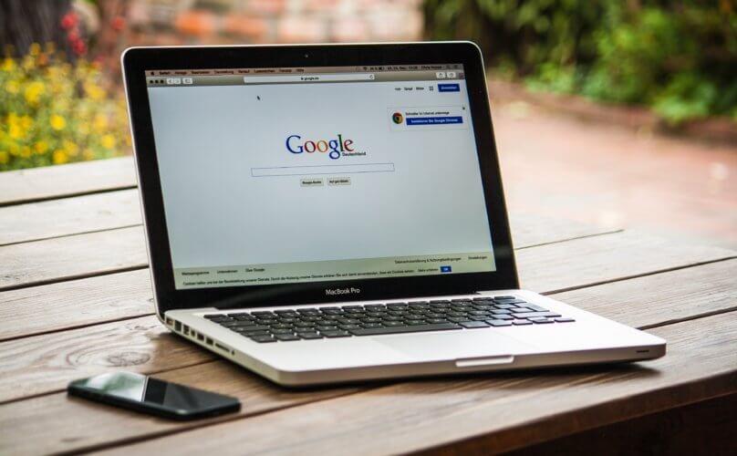 Laptp mit Google.com